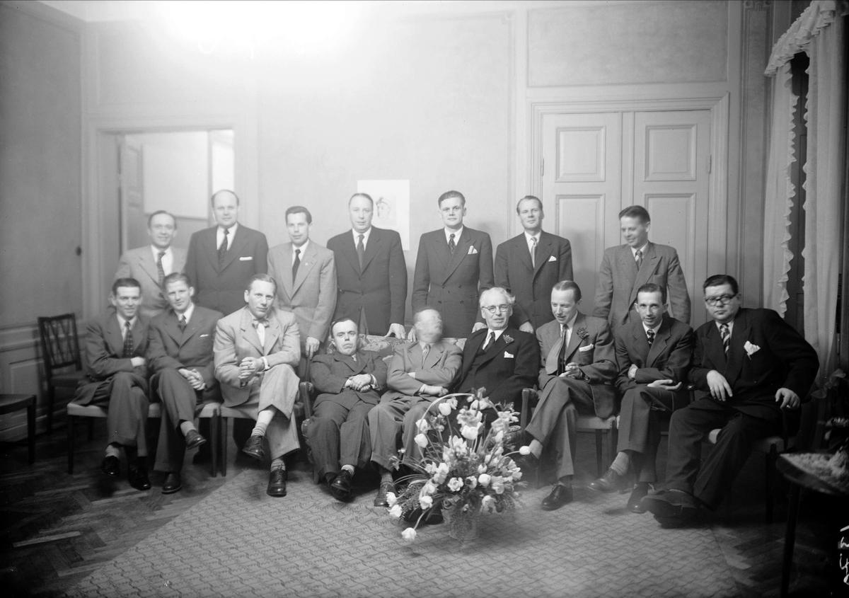 Jubilerande skolklass på Stadshotellet, Uppsala, Trädgårdsgatan, Uppsala 1953