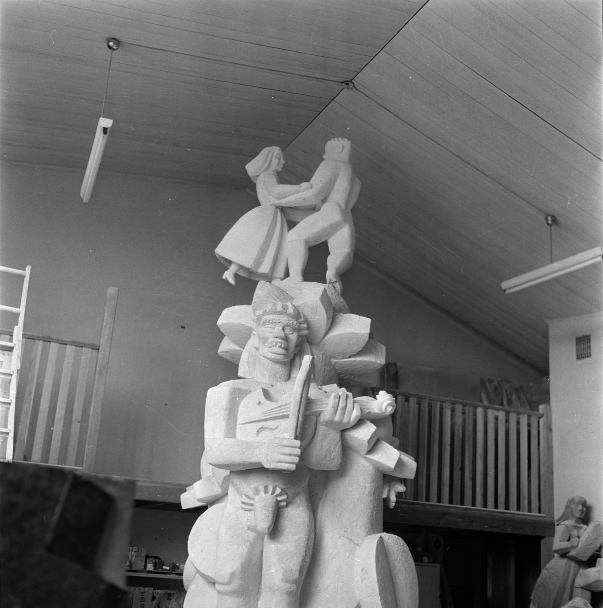 Skulptur Näckens polska i konstnär Bror Hjorths ateljé, Norbyvägen 26, Kåbo, Uppsala