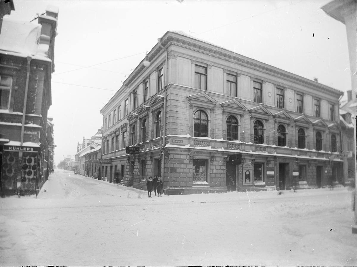 Upsala Ångqvarn AB:s byggnad på Vaksalagatan 5, kvarteret Lejonet, Uppsala 1917