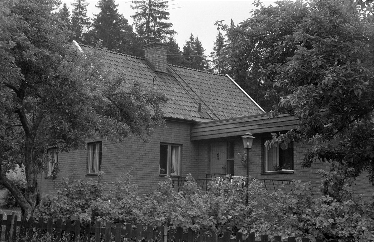 Bostadshus, Drälinge 1:14 och 1:16, Björklinge socken, Uppland 1976