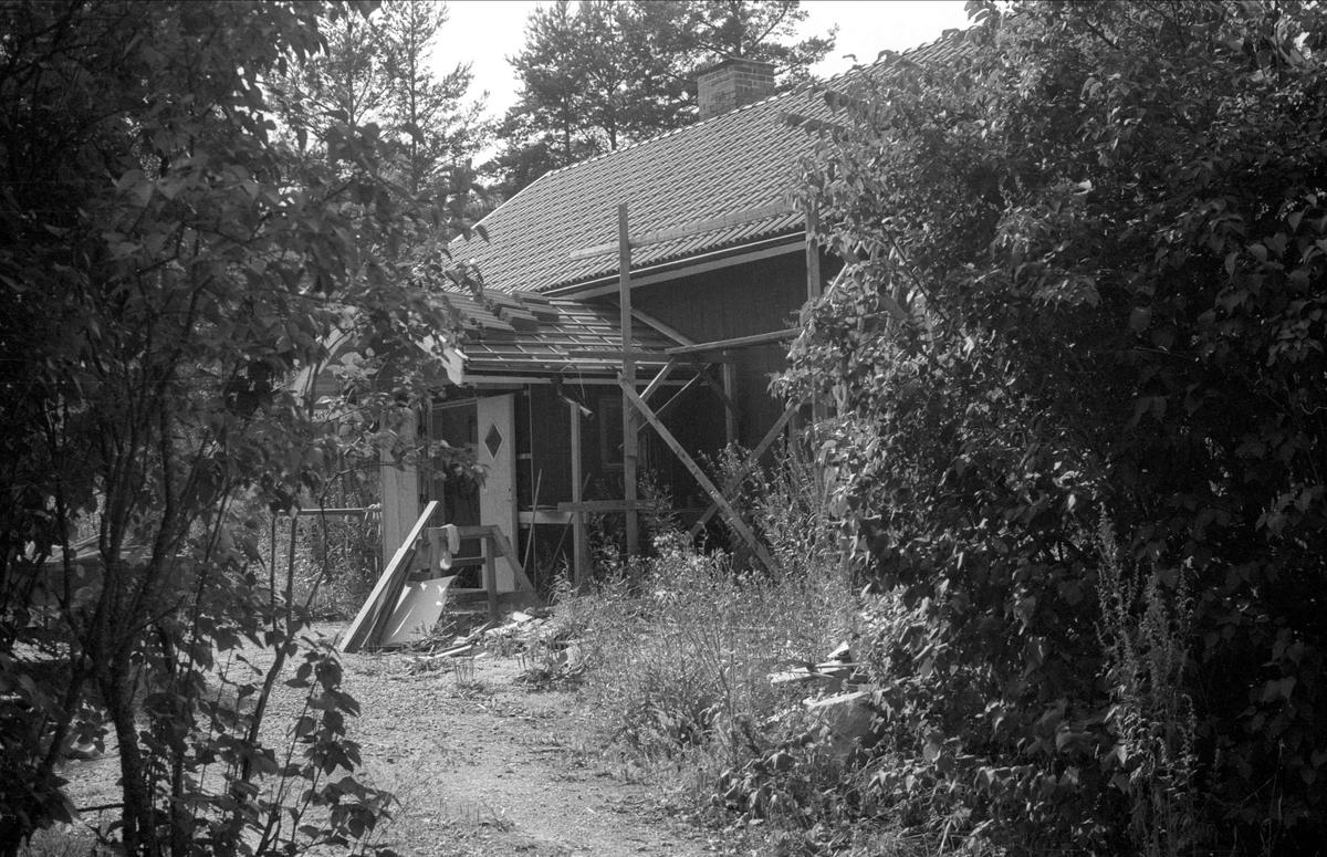 Bostadshus och uthus, Alsta 1:14, Börje socken, Uppland 1983