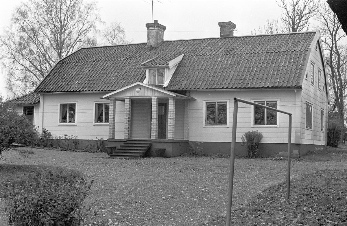 Bostadshus, Hacksta 1:1, Dalby socken, Uppland 1984