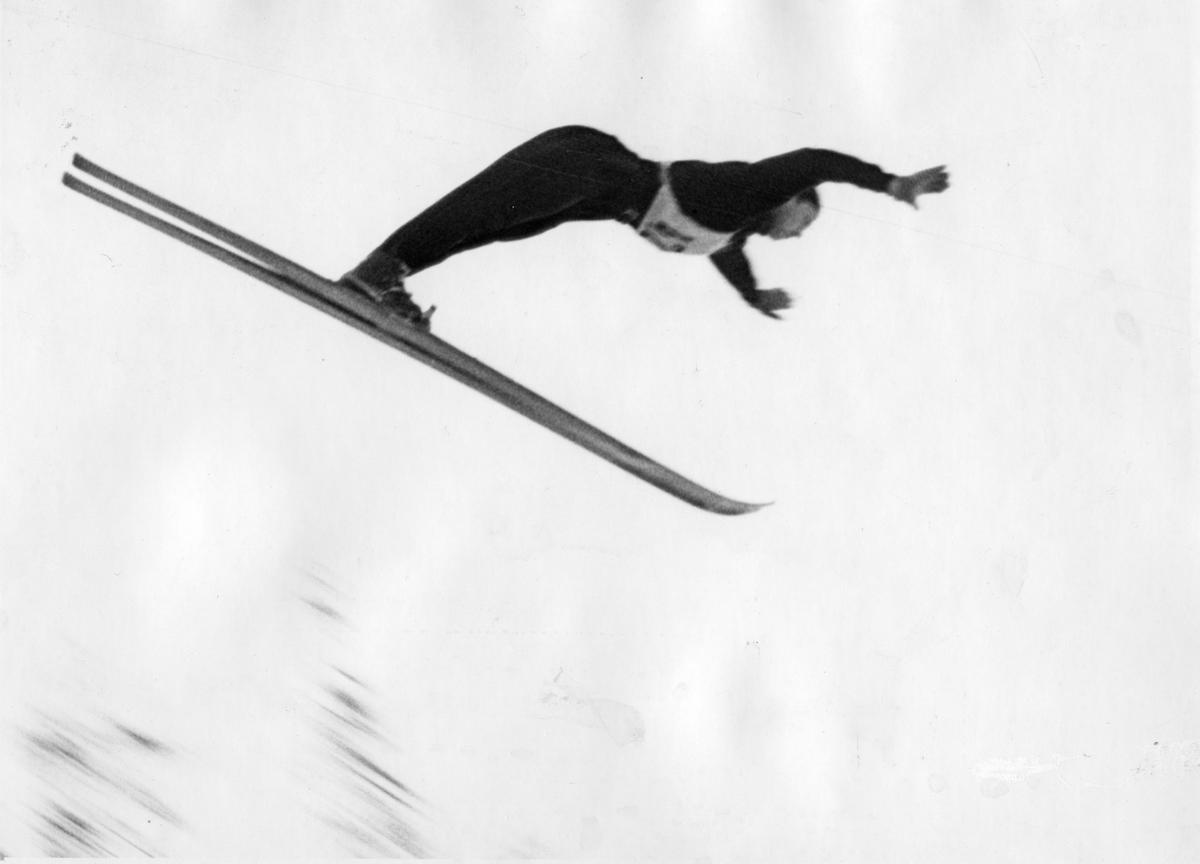 Petter Hugsted in the Hannibalbakken jumping hill 1950.