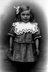 Portrett av Kari Olsdtr. Granli, Laudal.