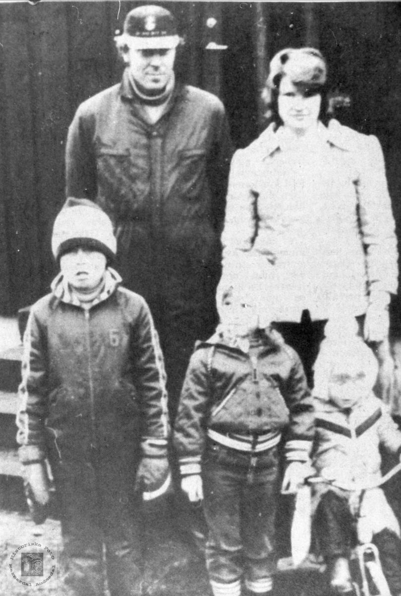 Ung familie på Stedjan i Bjelland.