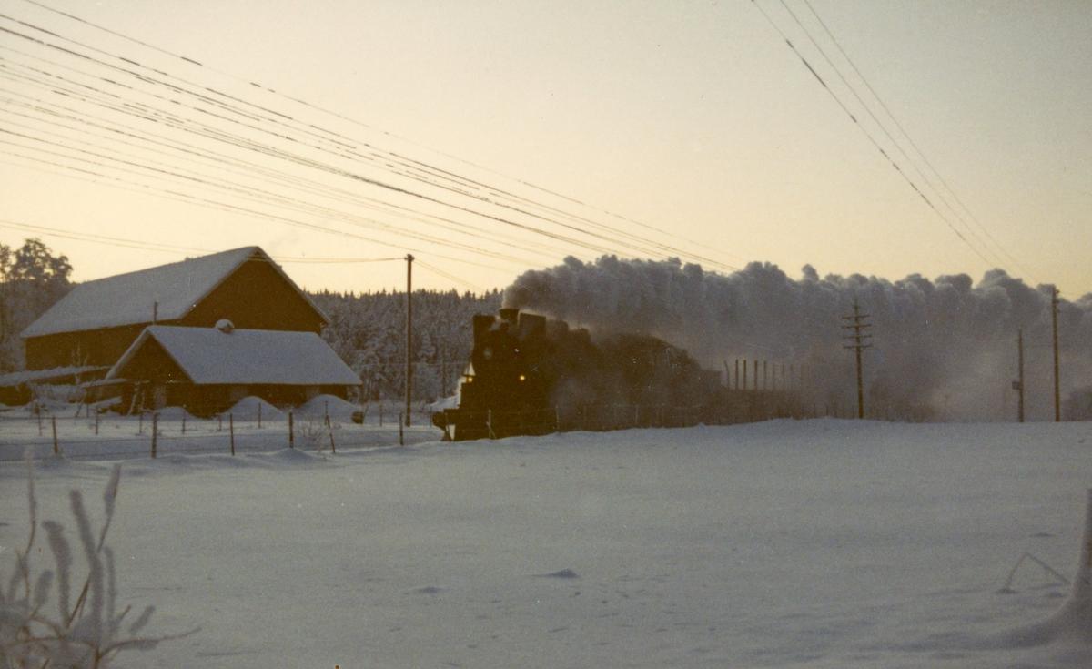 Godstog fra Kongsvinger til Elverum trukket av damplok 26c 433.