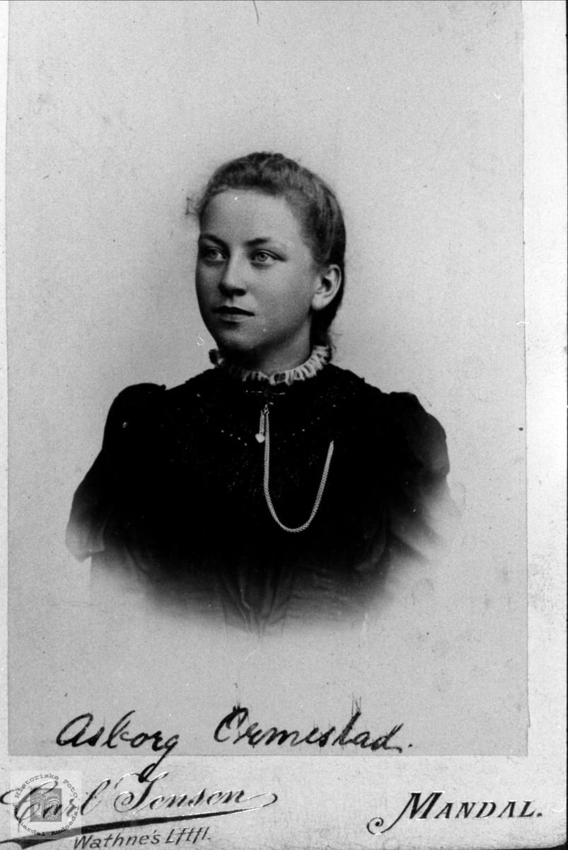 Portrett av Asborg Ormestad.