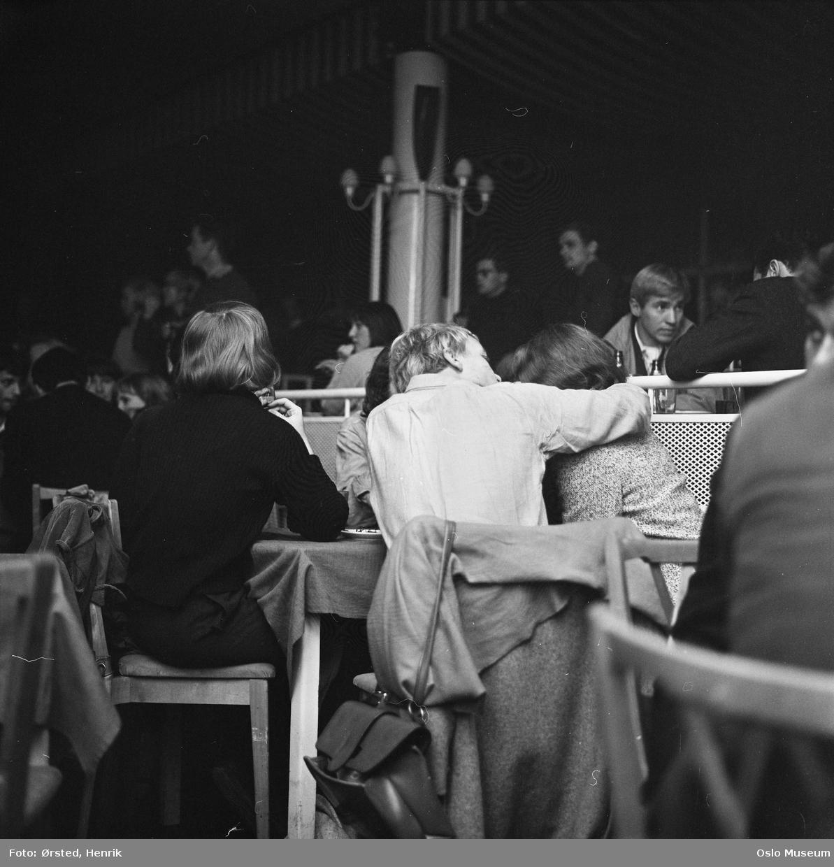 restaurant Kongen, interiør, Club 7, småbord, gjester