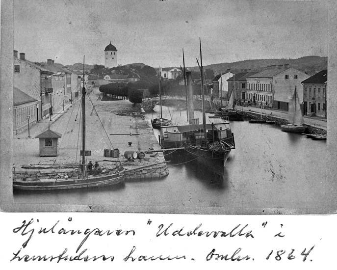 Hjulångaren UDDEWALLA och andra båtar vid vändbassängen 1865