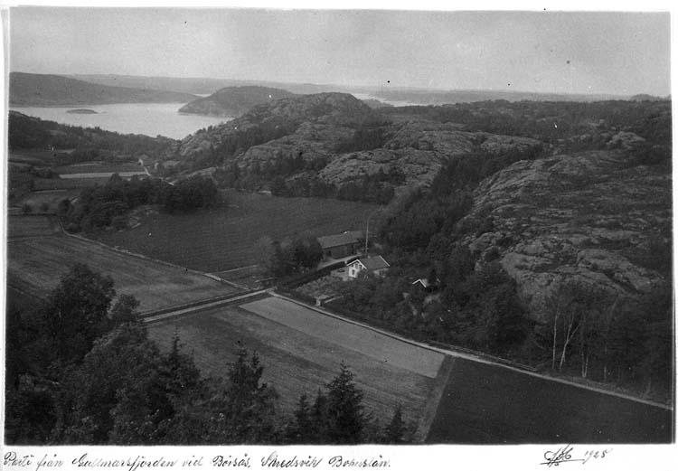"""Text på kortet: """"Parti från Gullmarsfjorden vid Börsås, Skredsvik Bohuslän""""."""