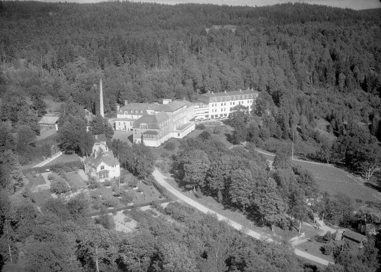 """Enligt AB Flygtrafik Bengtsfors: """"Svenshögen sanatoriet Bohuslän""""."""