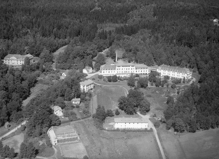 """Enligt AB Flygtrafik Bengtsfors: """"Svenshögen san. Bohuslän"""".   ::"""