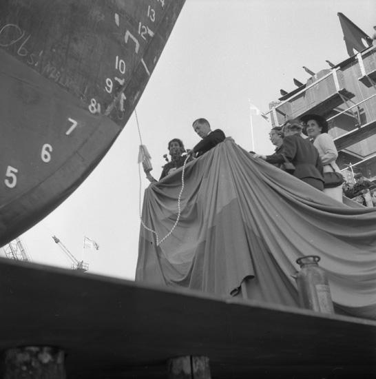 Dop och sjösättning av fartyget 148 M/S Silvia.