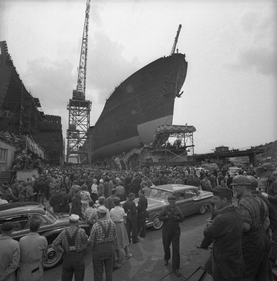 Dop och sjösättning av fartyget 185 M/T OVERSEAS AMBASSADOR