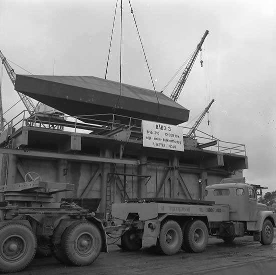 Transport av sektion till fartyg 210 OBO Havtor.