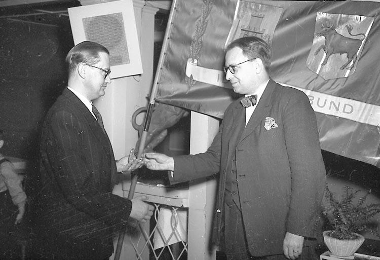 """Enligt notering: """"Bohusläningens Guldmedalj 16/4 1949""""."""