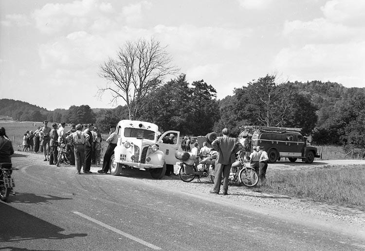 """Enligt notering: """"Gulfs tankbil körde av vägen vid Herrestad 13-8-55""""."""