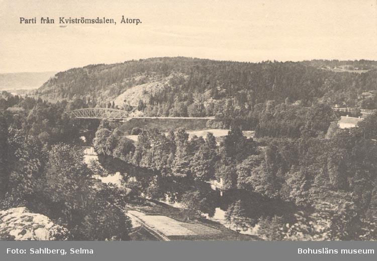 """Tryckt text på kortet: """"Parti från Kvistrumsdalen. Åtorp"""".   ::"""