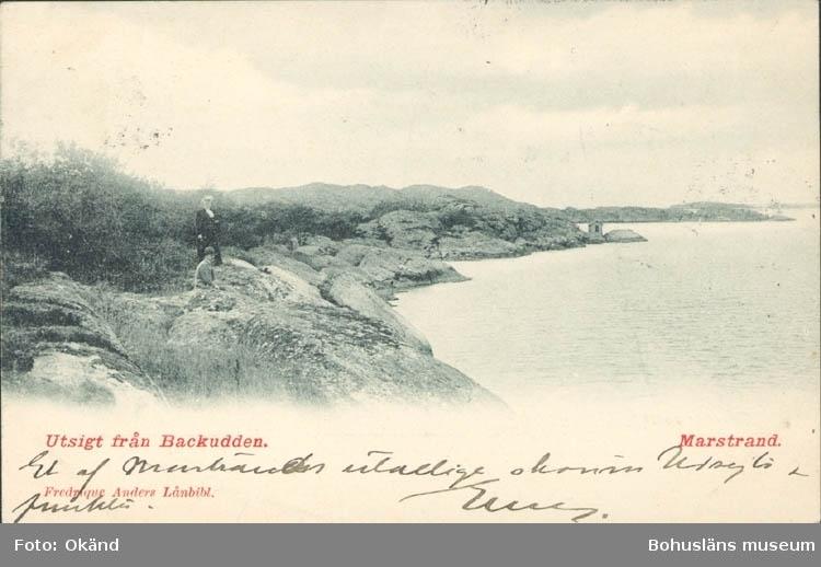 """Tryckt text på kortet: """"Utsikt från Backudden. Marstrand."""" ::"""