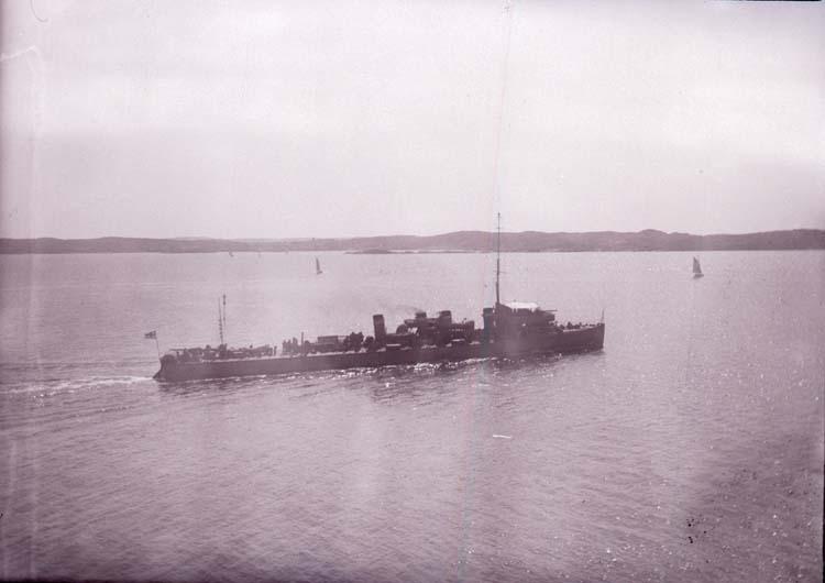 """Enligt text som medföljde bilden: """"Jagare 1913"""". ::"""
