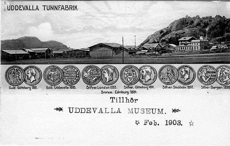 """Tryckt text på vykortets framsida: """"Uddevalla.Tunnfabrik""""  ::"""