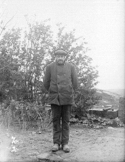 """Enligt noteringar: """"Johan Kobern Olsson, 1925, Koberöd"""""""