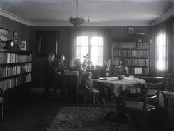 """1930. Rektor Hellerstedt Västkustens ungdomsskola Ljungskil"