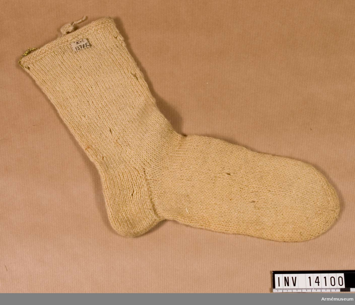 Grupp C I. Strumpa av halvylle, troligen 1820-talet. Förmodad gåva från Arméns Intendenturförråd.
