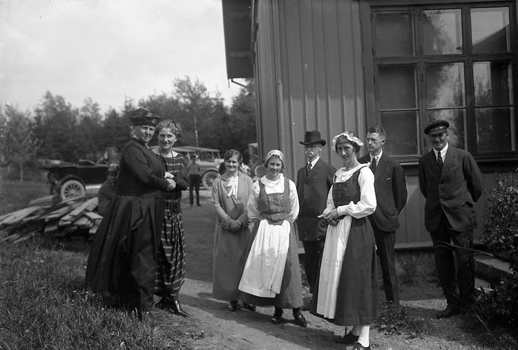 """Enligt fotografens journal nr 5 1923-1929: """"Hemslöjdsutställningen Här arbetsutsk.""""."""