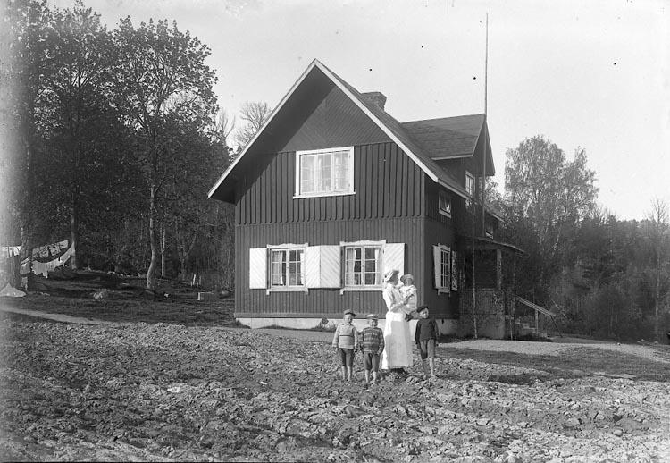 "Enligt fotografens journal nr 2 1909-1915: ""Kristinedal Sjöstugan""."