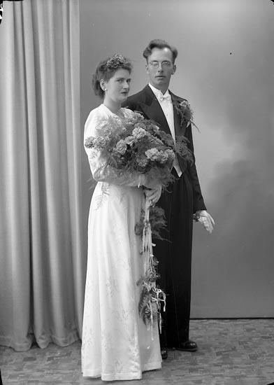 "Enligt fotografens journal nr 7 1944-1950: ""Andersson, Herr Gunnar Toltorp, Jörlanda""."