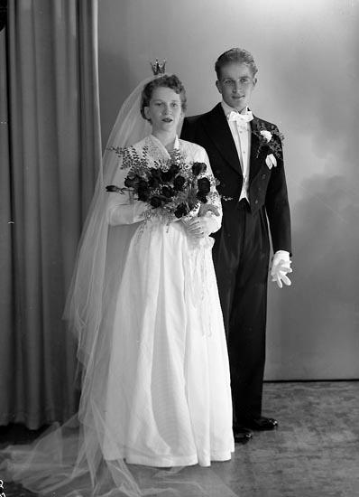"Enligt fotografens journal nr 8 1951-1957: ""Bäckman, Herr Rune Stenungsund""."