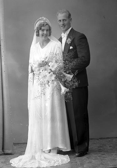 """Enligt fotografens journal nr 6 1930-1943: """"Eriksson, Karl Ivar Hjälteby""""."""