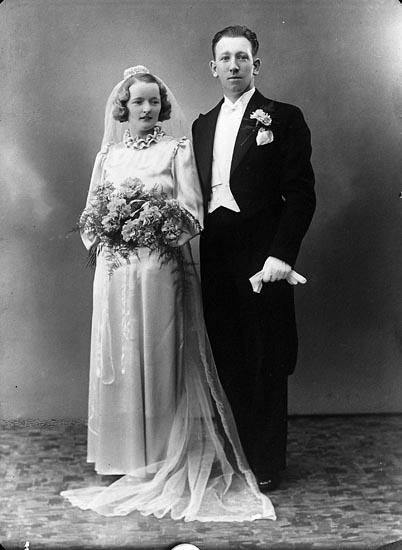 """Enligt fotografens journal nr 6 1930-1943: """"Johansson, Frank Herr Ny Tid Kungälv""""."""