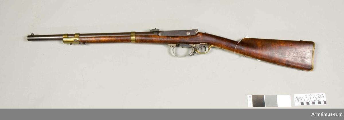 Grupp E II.  Karbin m/1865-69 med bakladdning, för kavalleri, Norge. Förändrad m/1865-69. Lunds modell.