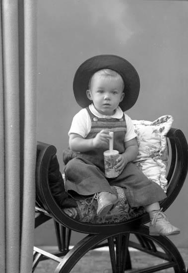 "Enligt fotografens journal nr 7 1944-1950: ""Weiler, Eva Sten Stureg 5 Gbg""."