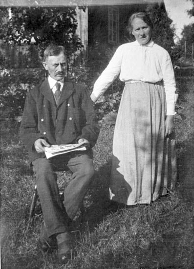 "Enligt fotografens journal nr 8 1951-1957: ""Olsson, Fru Hulda (Verner) Eidern, Stenungsund kopia""."