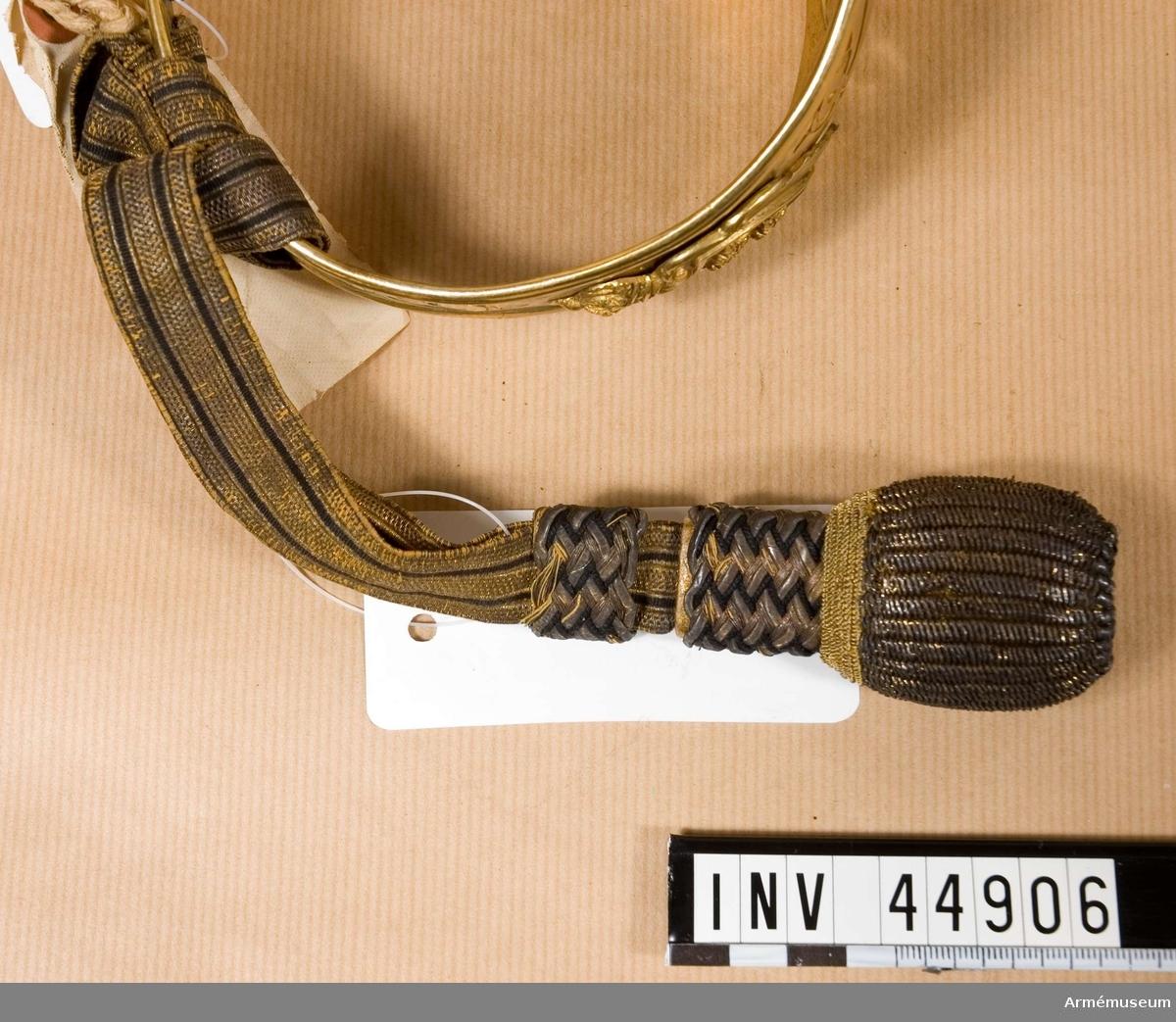 Grupp D II. Tillhör uniform m/1939 för Generalitetet AM 60719-35.