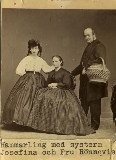 Hammarling med systern Josefina och fru Rönnqvist, Uddevalla.