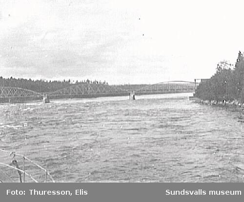 Bron över Indalsälven vid Bergeforsen.