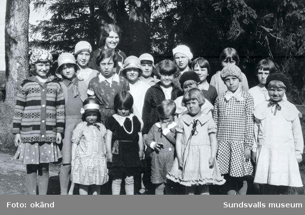 Söndagsskolan med Lyckans barn 1931