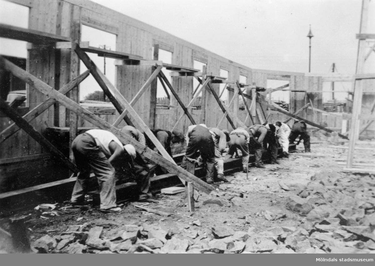 Albert Persson på bygge i Göteborg troligtvis vid hamnen, 1940-talet.