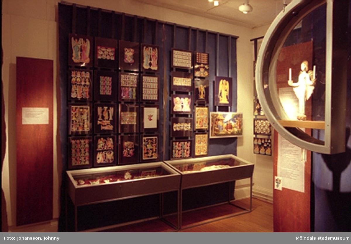 Änglautställningen pågick mellan den 24 november 1996 - 31 mars 1997 på Mölndals museum, N. Forsåkersgatan 19, Kvarnbyn.