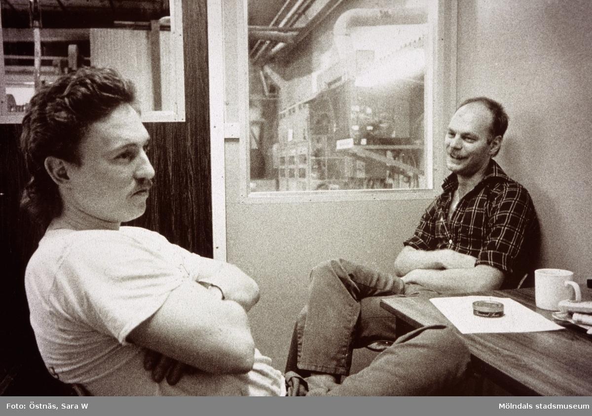 Roger Techel och Denny Andersson har rast på Papyrus i Mölndal, år 1990.