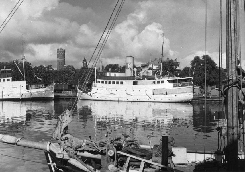 Fartyget trafikerade linjen Kalmar - Färjestaden 1931-1952. Därefter upphörde Postverket med att befordra post med egna fartyg.