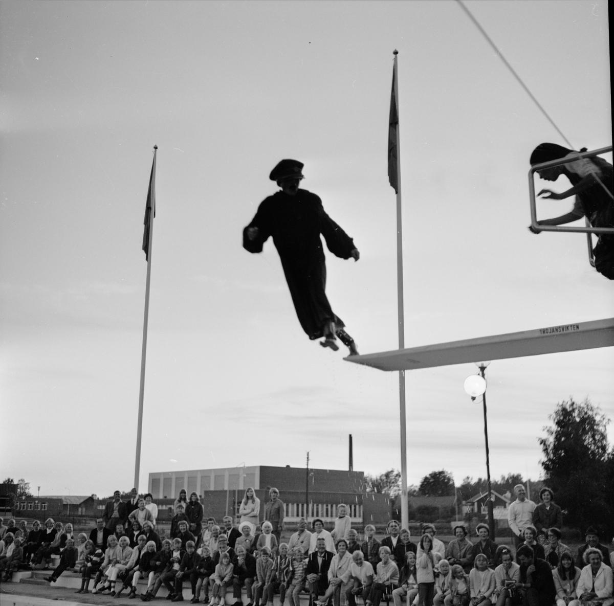 Simavslutning på Aspenbadet, Tierp, Uppland, augusti 1968