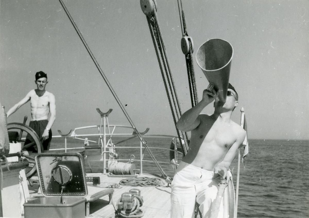 Skeppsgossefartyget Gladan i England 1948.