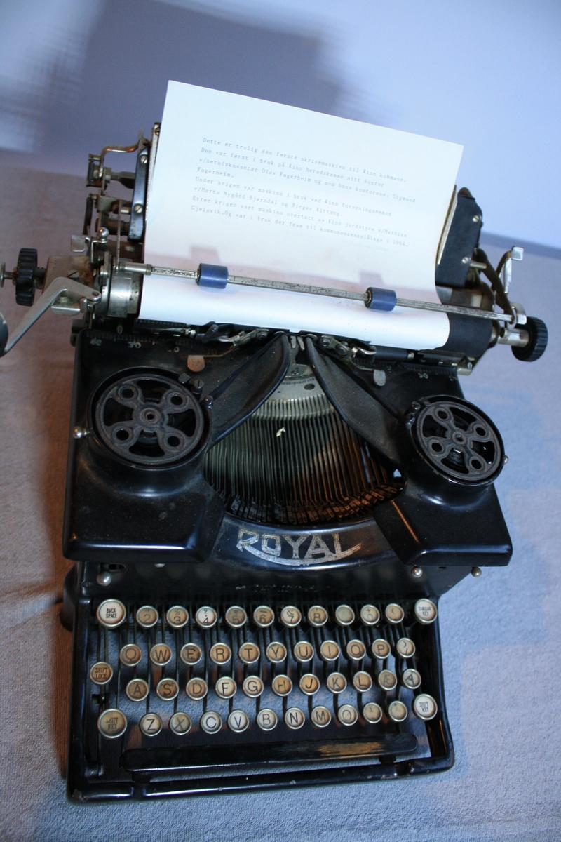 Royal skrivemaskin