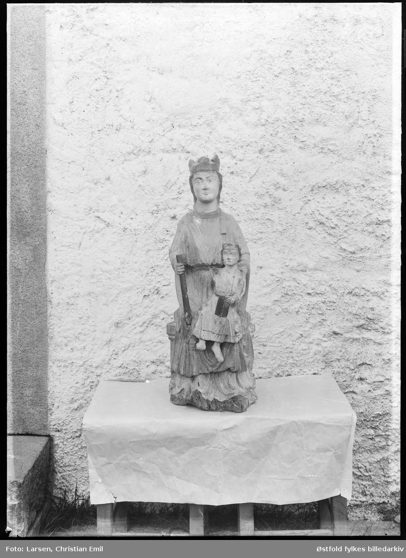 Borgarsyssel Museum, skulptur/helgenfigurer fra Olavskapellet.