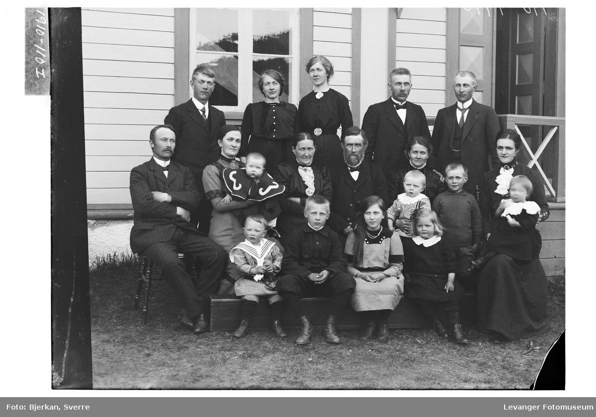 Søren Olaus Bye med familie